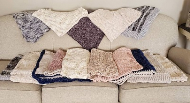 Kimberly Townsend donated 15 blankets to Gift of Life Michigan in honor of her father, Marty.